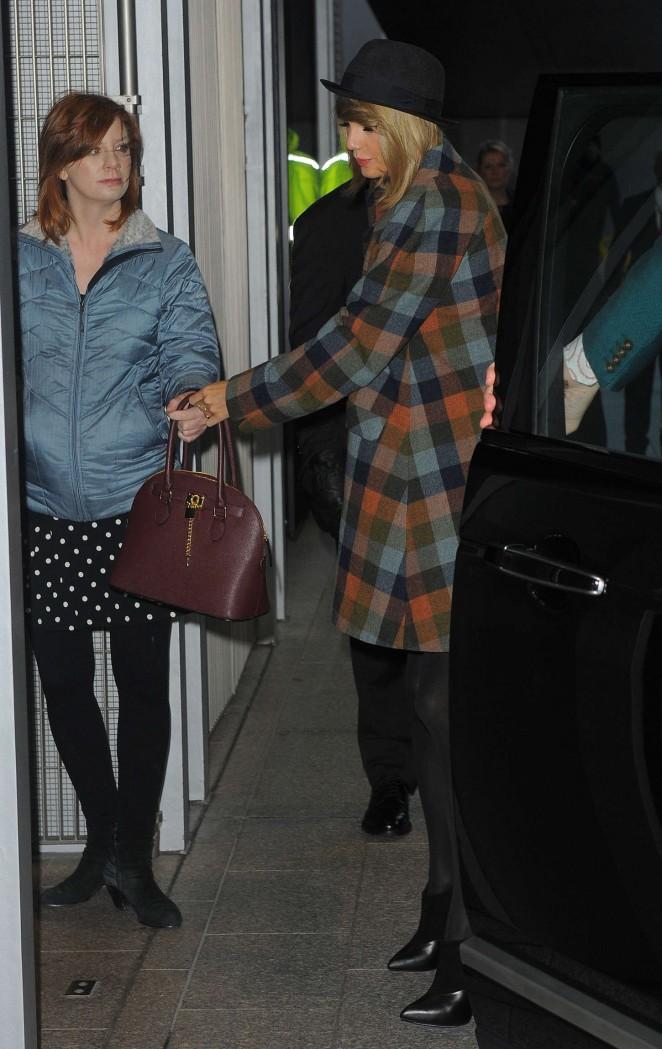 Taylor Swift at The Shard -10