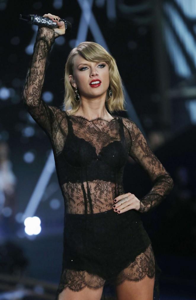 Taylor Swift at Victoria's Secret Fashion Show 2014