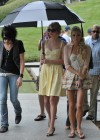 taylor-swift-candids-at-jfk-memorial-in-virginia-08
