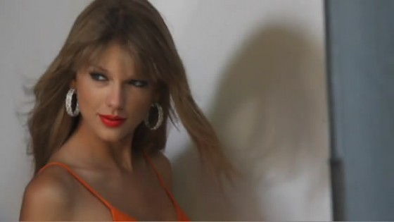 Taylor Swift Delta Sky shoot-14