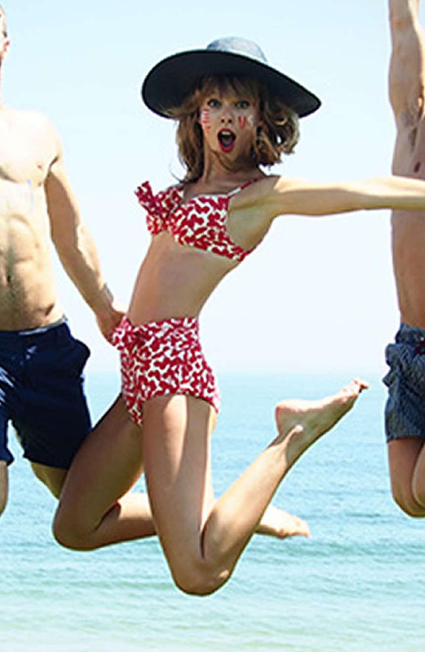 Taylor Swift In A Bikini 07 Gotceleb