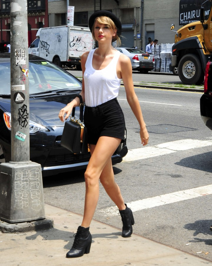 Taylor Swift in Tank top and shorts -24