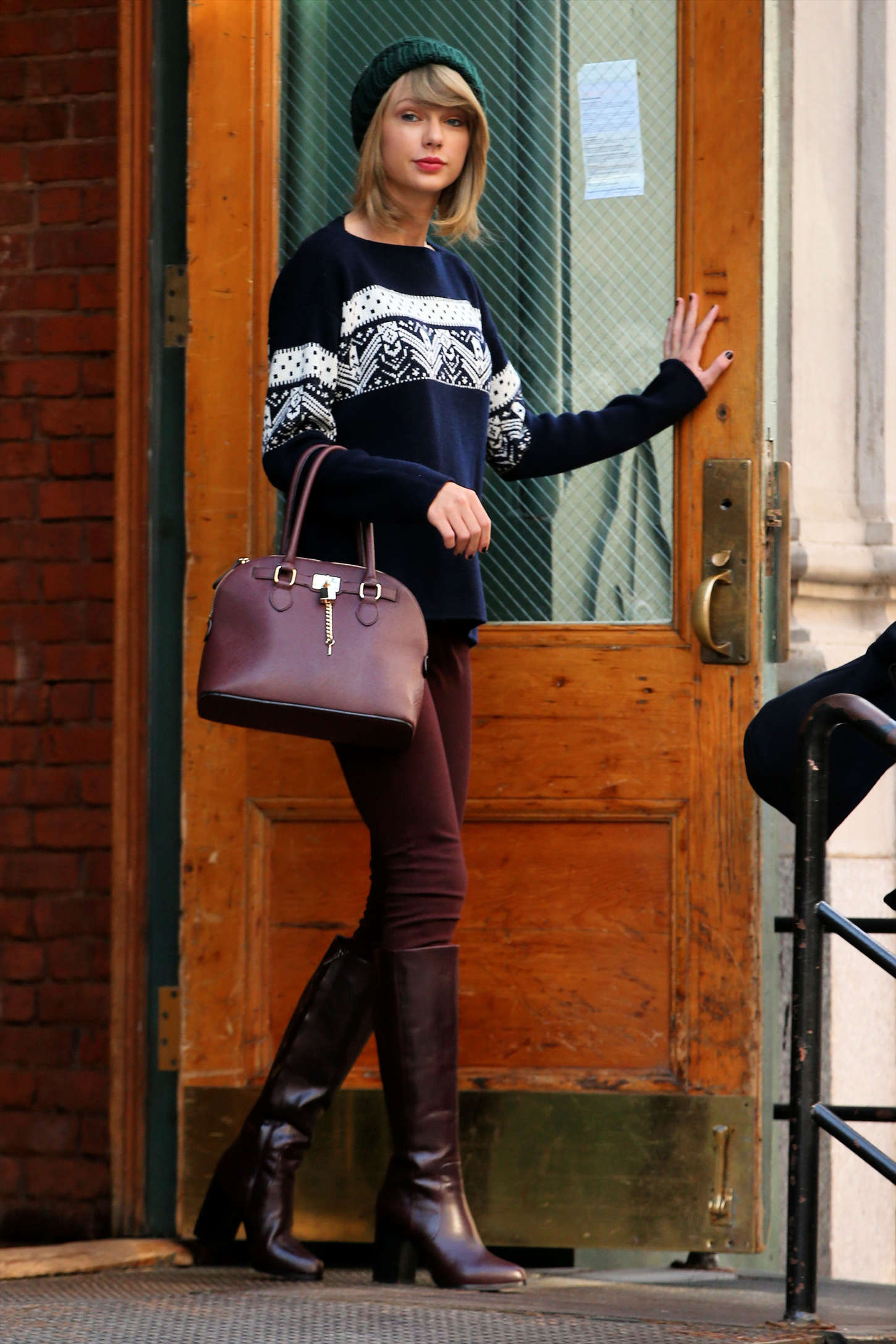 Taylor Swift In Tight Pants And Boots 03 Gotceleb
