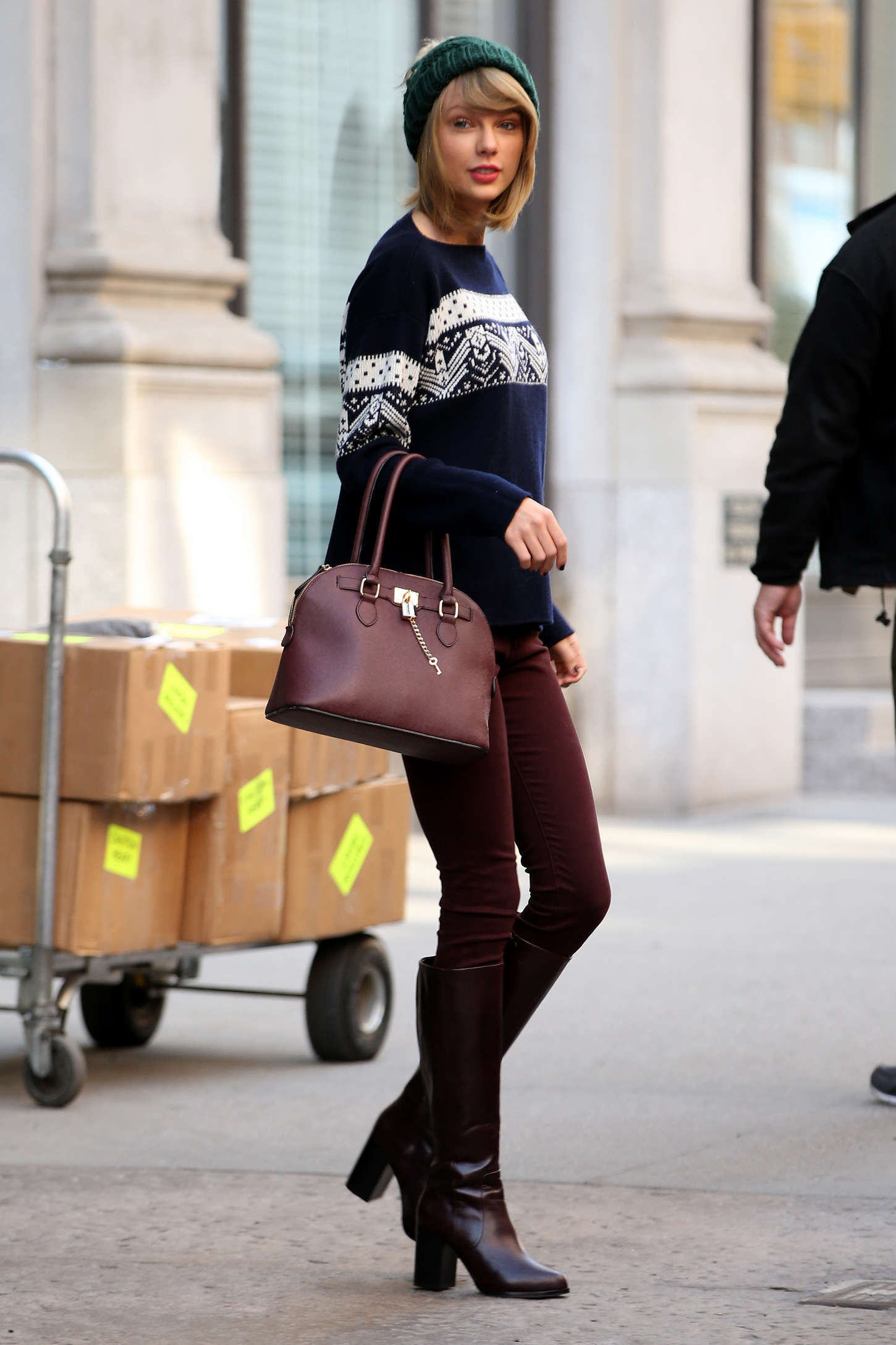 Taylor Swift In Tight Pants And Boots 20 Gotceleb