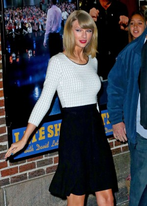 "Taylor Swift in Black Skirt Leaves ""David Letterman Show"" in New York"