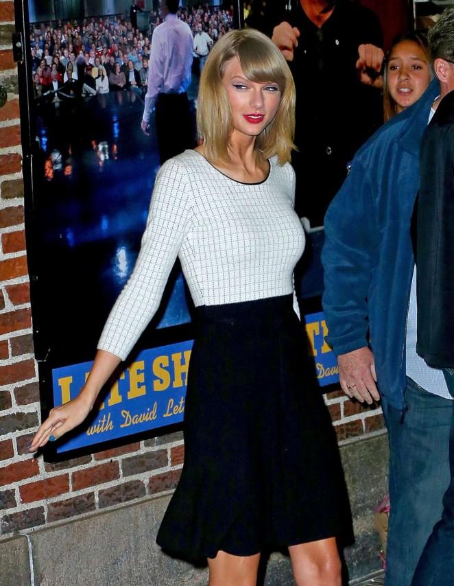"Taylor Swift in Black Skirt Leaves ""David Letterman Show"" in New York"