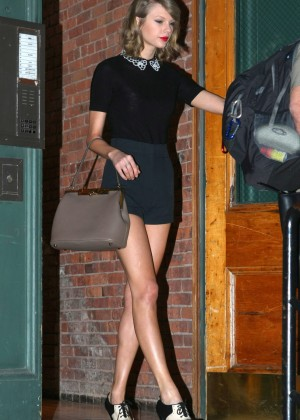 Taylor Swift Leggy in Shorts -09