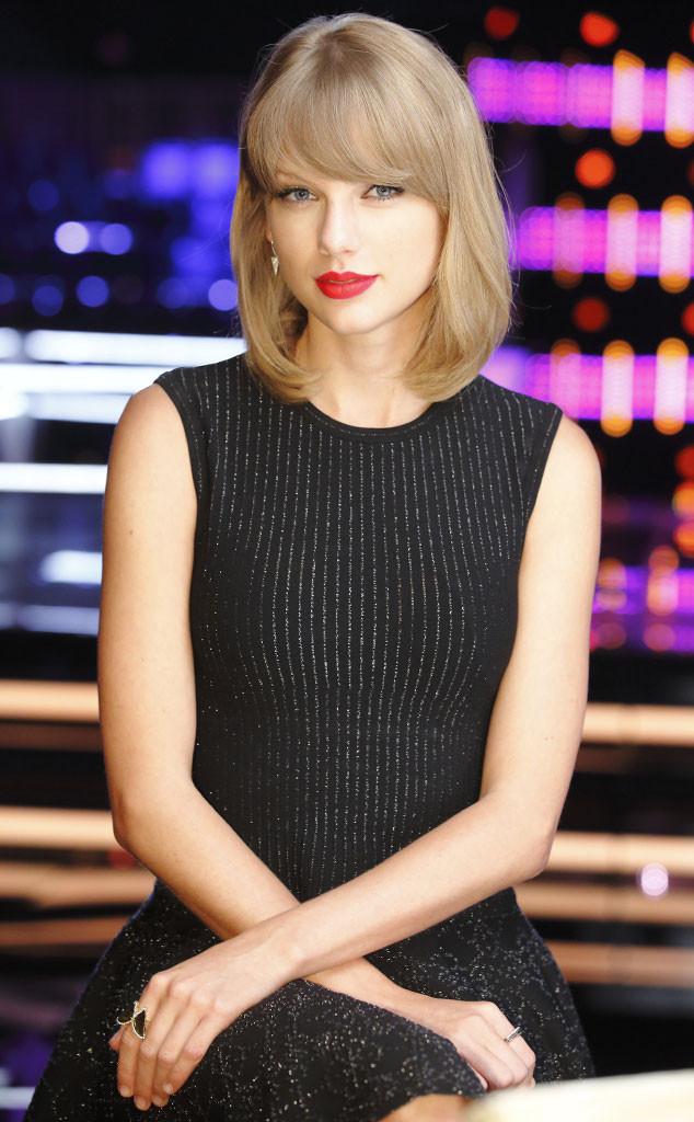 Taylor Swift - NBC's The Voice Season 7 Pics