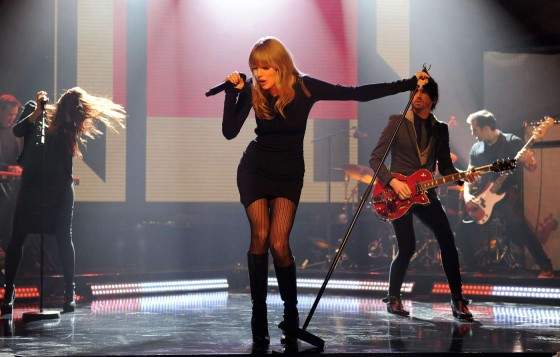 Taylor Swift on The Graham Norton Show -06
