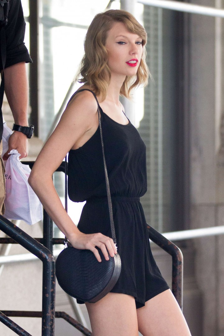 Taylor Swift short dress -23