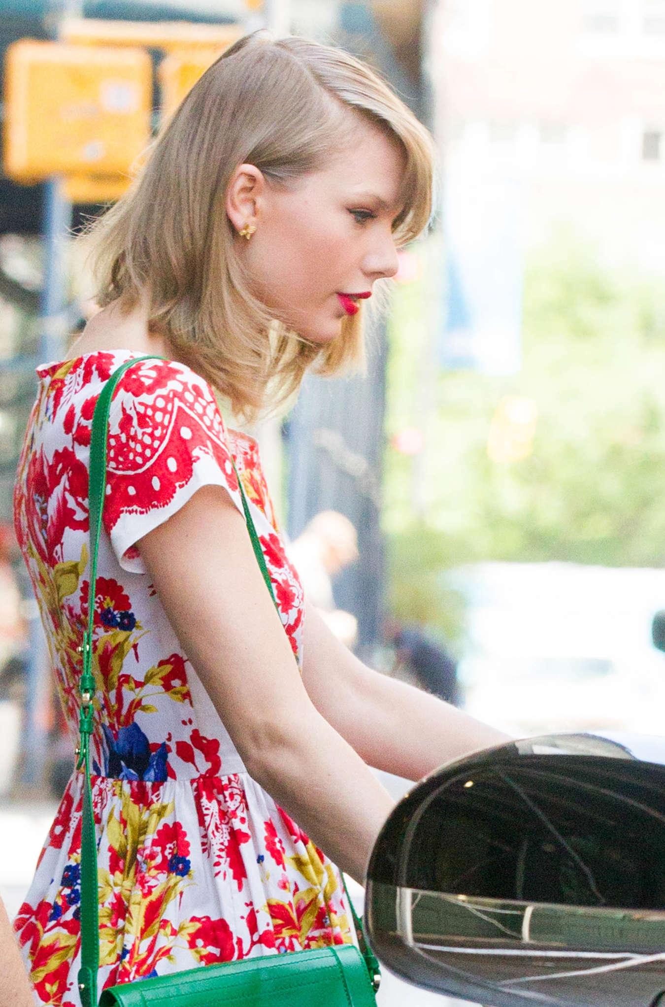 Taylor Swift in Floral Print Dress 04 GotCeleb
