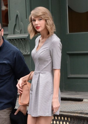 Taylor Swift in Short Dress -09