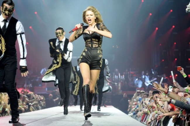 Taylor Swift 2014 : Taylor Swift: Red Tour in London -06