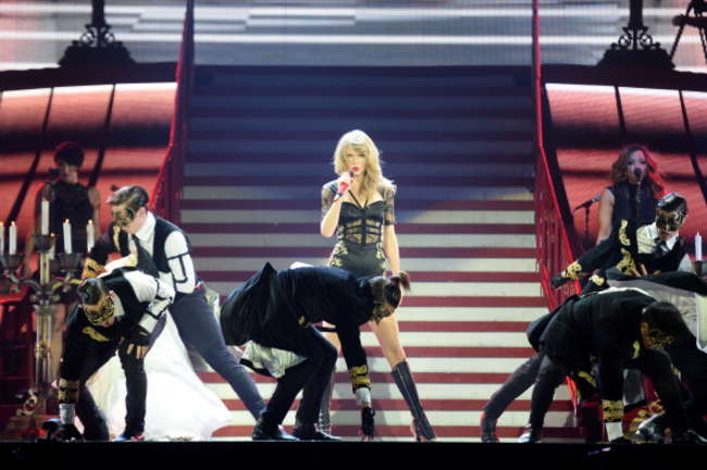 Taylor Swift 2014 : Taylor Swift: Red Tour in London -07