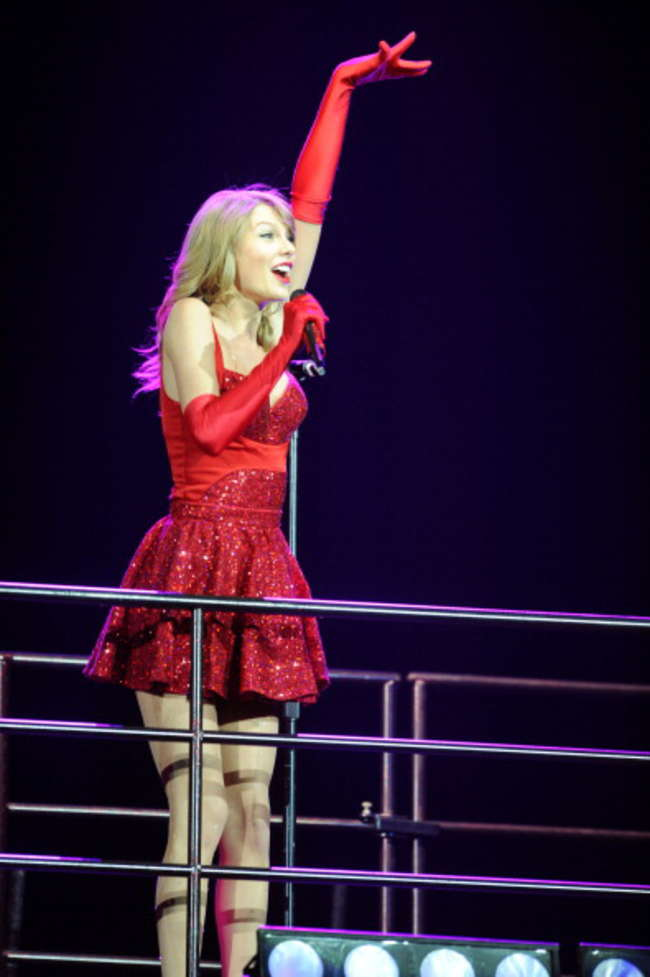 Taylor Swift Red Tour In London 09 Gotceleb