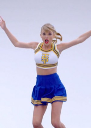 Taylor Swift: Shake It Off Music Video Stills-08
