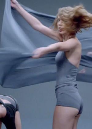 Taylor Swift: Shake It Off Music Video Stills-14
