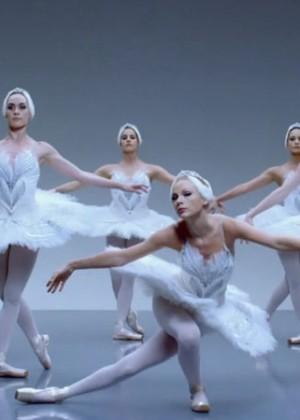 Taylor Swift: Shake It Off Music Video Stills-16