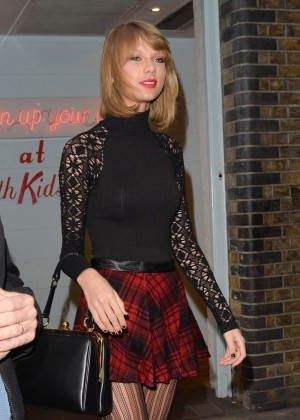 Taylor Swift in Mini Skirt at Cath Kidston -04