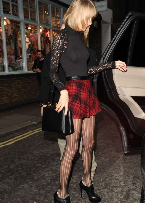 Taylor Swift in Mini Skirt at Cath Kidston -07
