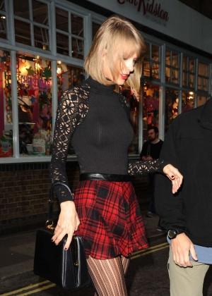 Taylor Swift in Mini Skirt at Cath Kidston -13
