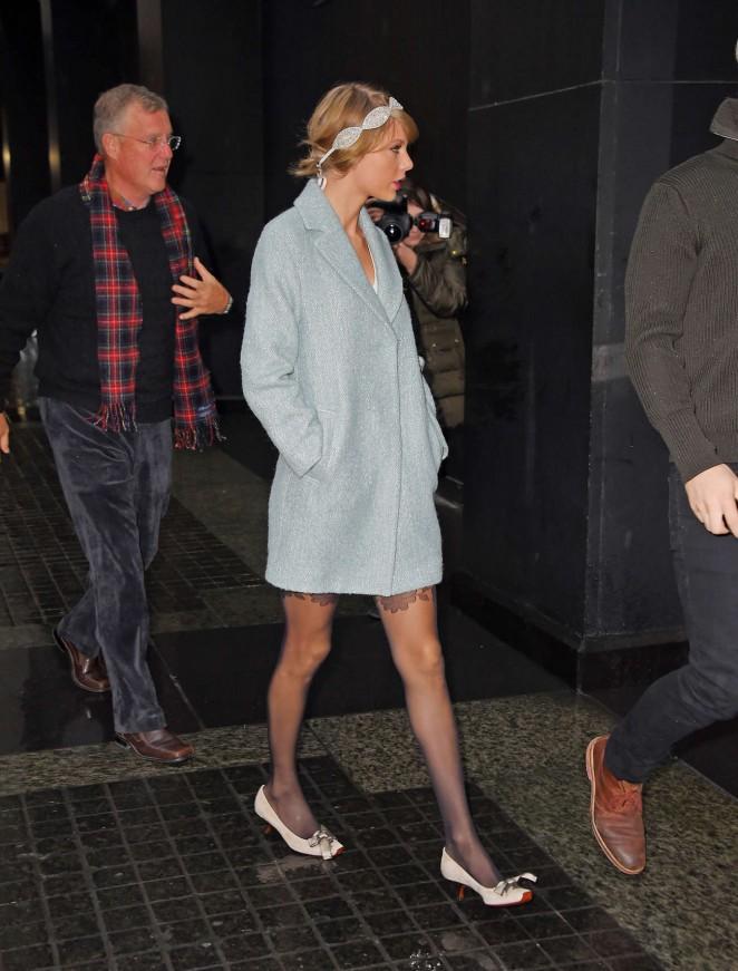 Taylor Swift in Blue Short Coat -04