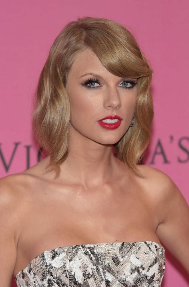 Taylor Swift - VS Fashion Show 2014 -09 - GotCeleb