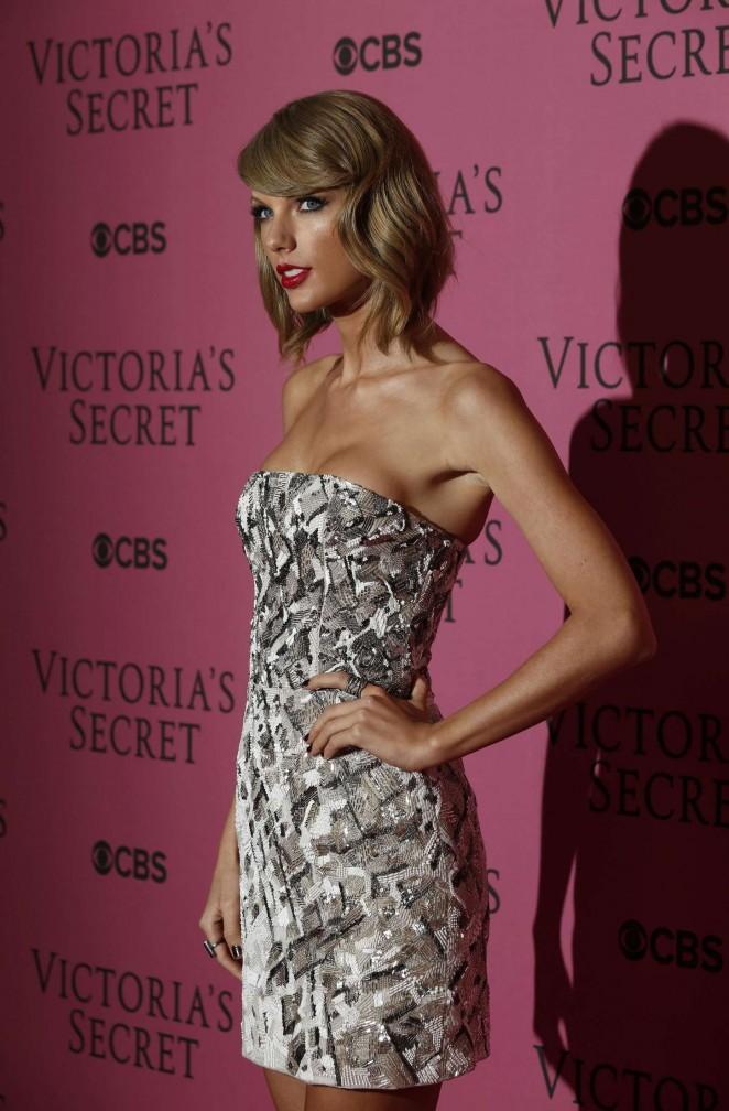 Taylor swift vs fashion show 2014 12 gotceleb Taylor swift style live vs fashion show