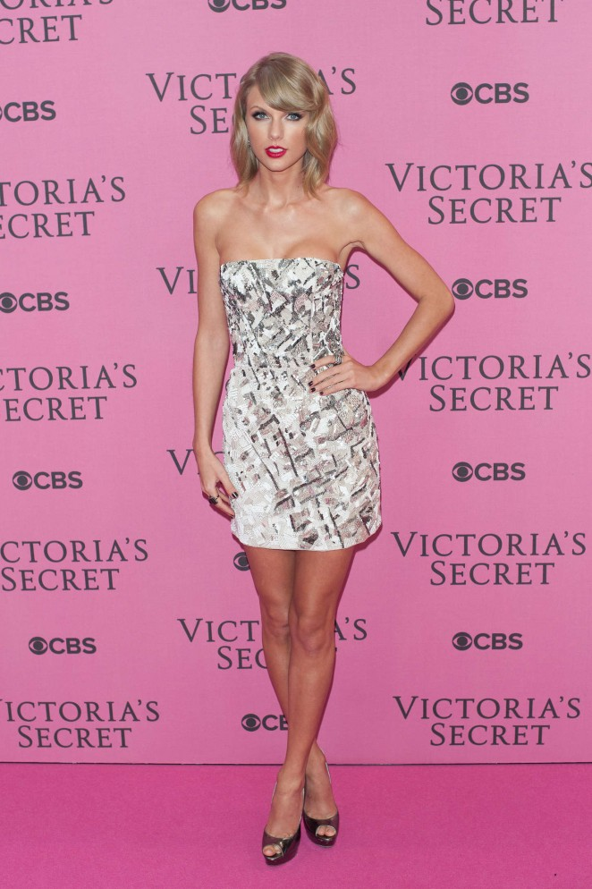 Taylor Swift Vs Fashion Show 2014 14 Gotceleb