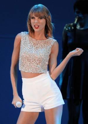 Taylor Swift - We Can Survive 2014 in Los Angeles