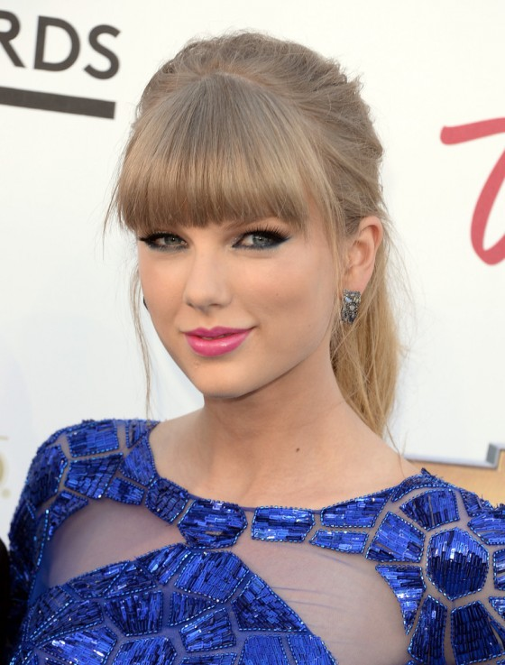 Tayor Swift at 2013 Billboard Music Awards -01