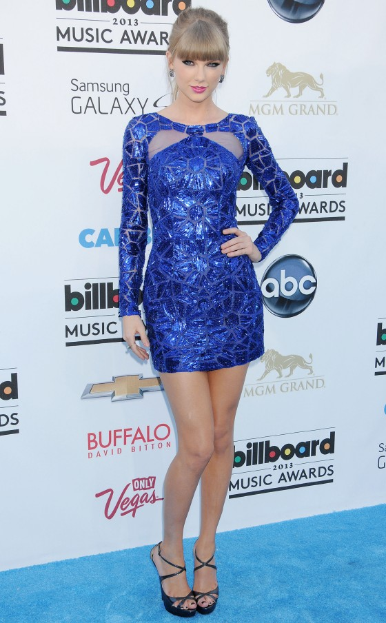 Tayor Swift at 2013 Billboard Music Awards -02