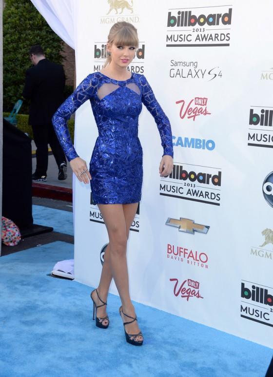 Tayor Swift at 2013 Billboard Music Awards -14