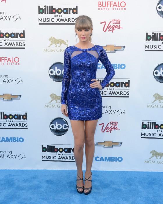 Tayor Swift at 2013 Billboard Music Awards -15