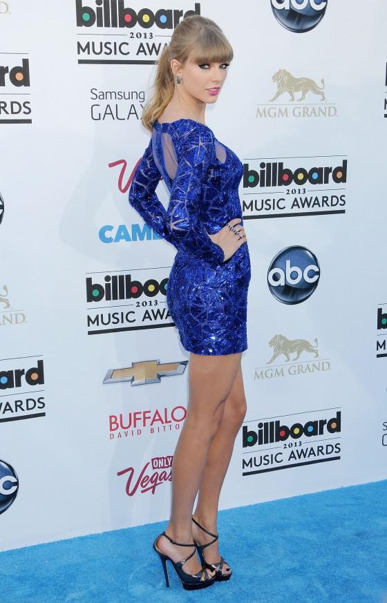 Tayor Swift at 2013 Billboard Music Awards -16