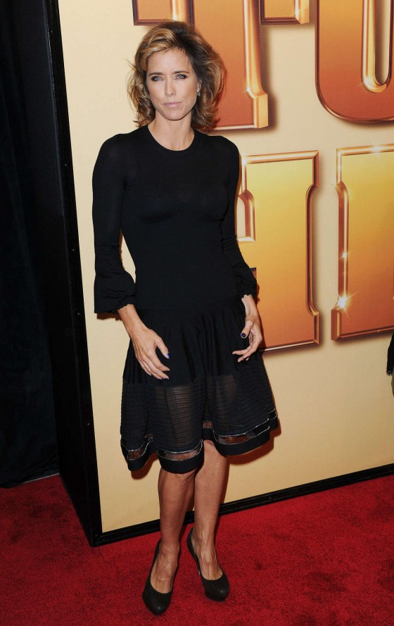 Tea leoni black miniskirt apologise, but