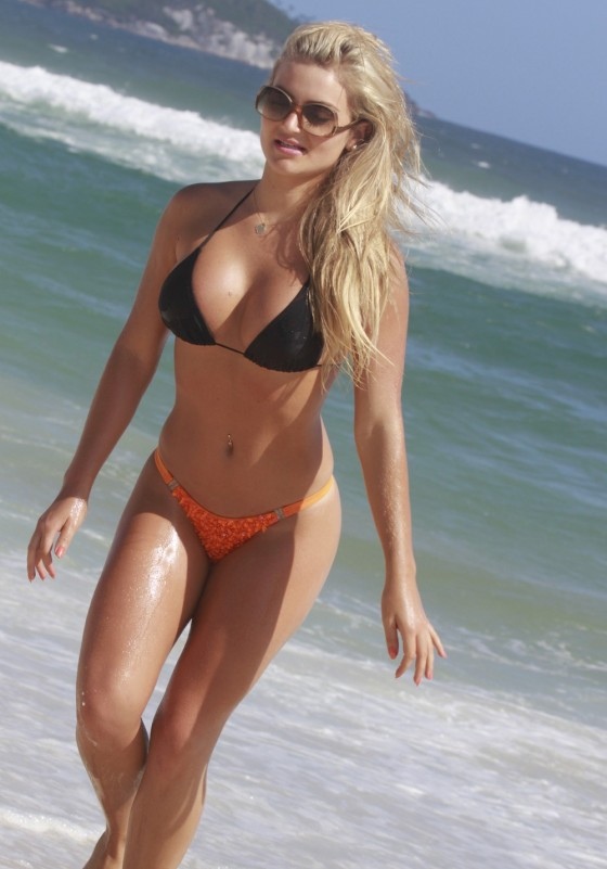 Thaiz Schmitt Bikini Photos: Rio de Janeiro