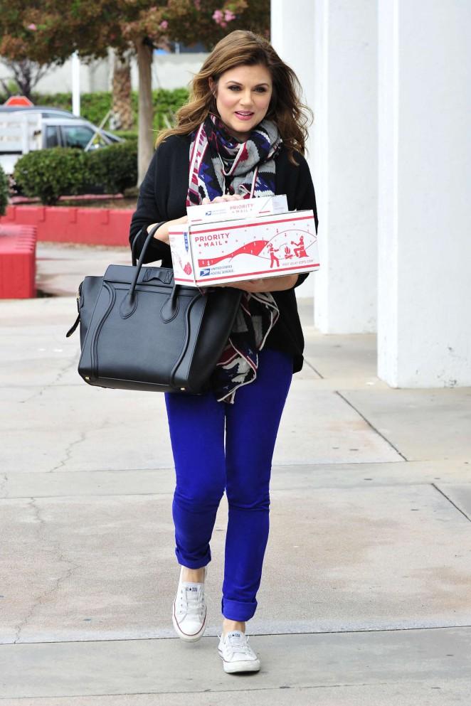 Tiffani Thiessen in jeans at Post Office in LA