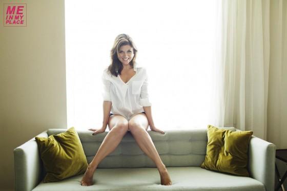Tiffani Thiessen - Me In My Place Photos-25 | GotCeleb Tiffani Thiessen 2013 Me In My Place