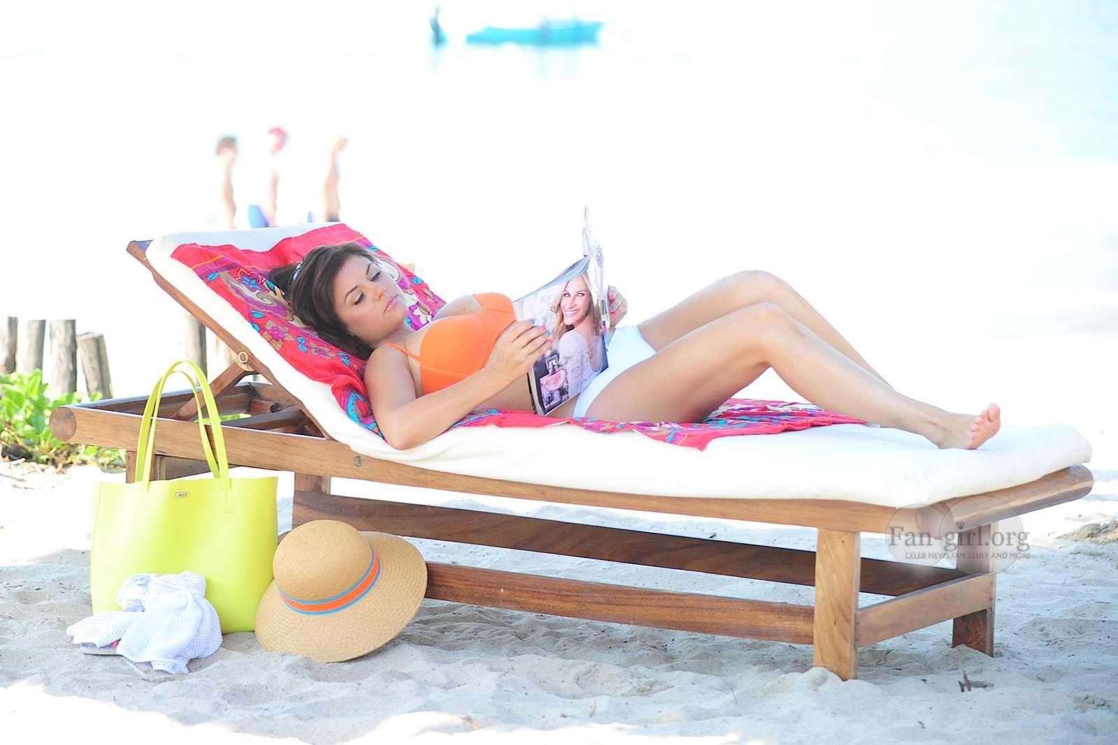 Tiffani thiessen bikini