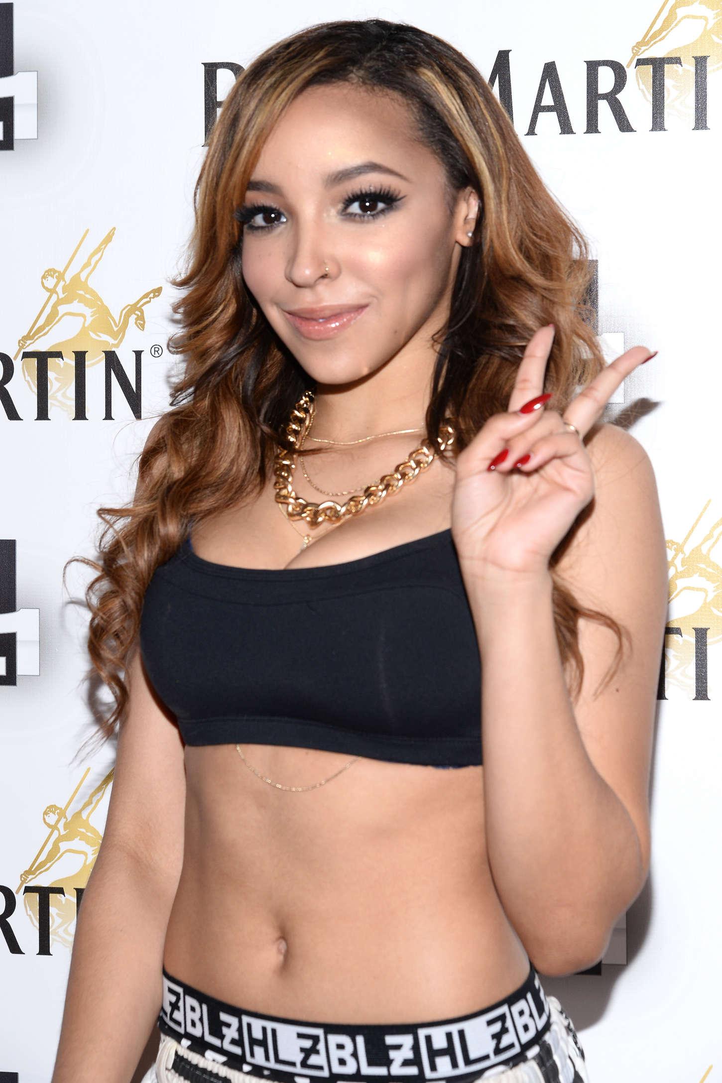 Tinashe:-Performs-at-Power-105-1s-Powerhouse-2014--01.jpg
