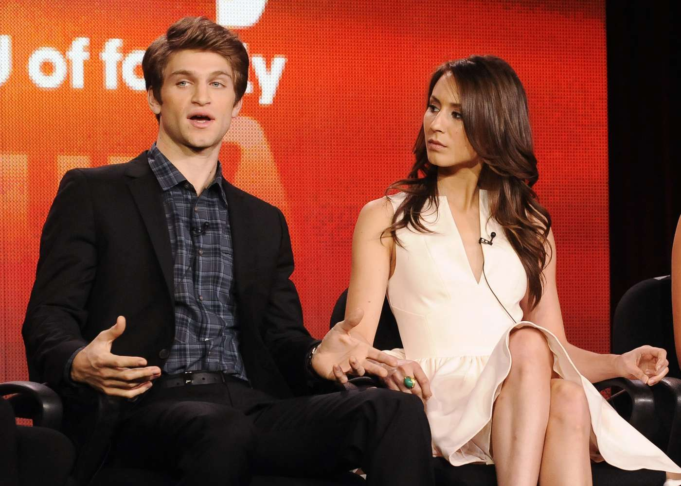 troian bellisario y keegan allen dating Is shay mitchell dating keegan allen its troian bellisario wrong troian bellisario is in a long term relationship with patrick j adams.