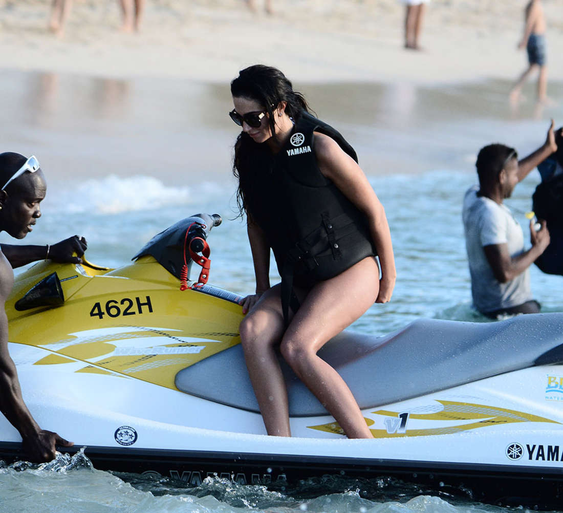 Tulisa Contostavlos - Jet-skiing at the beach in Barbados