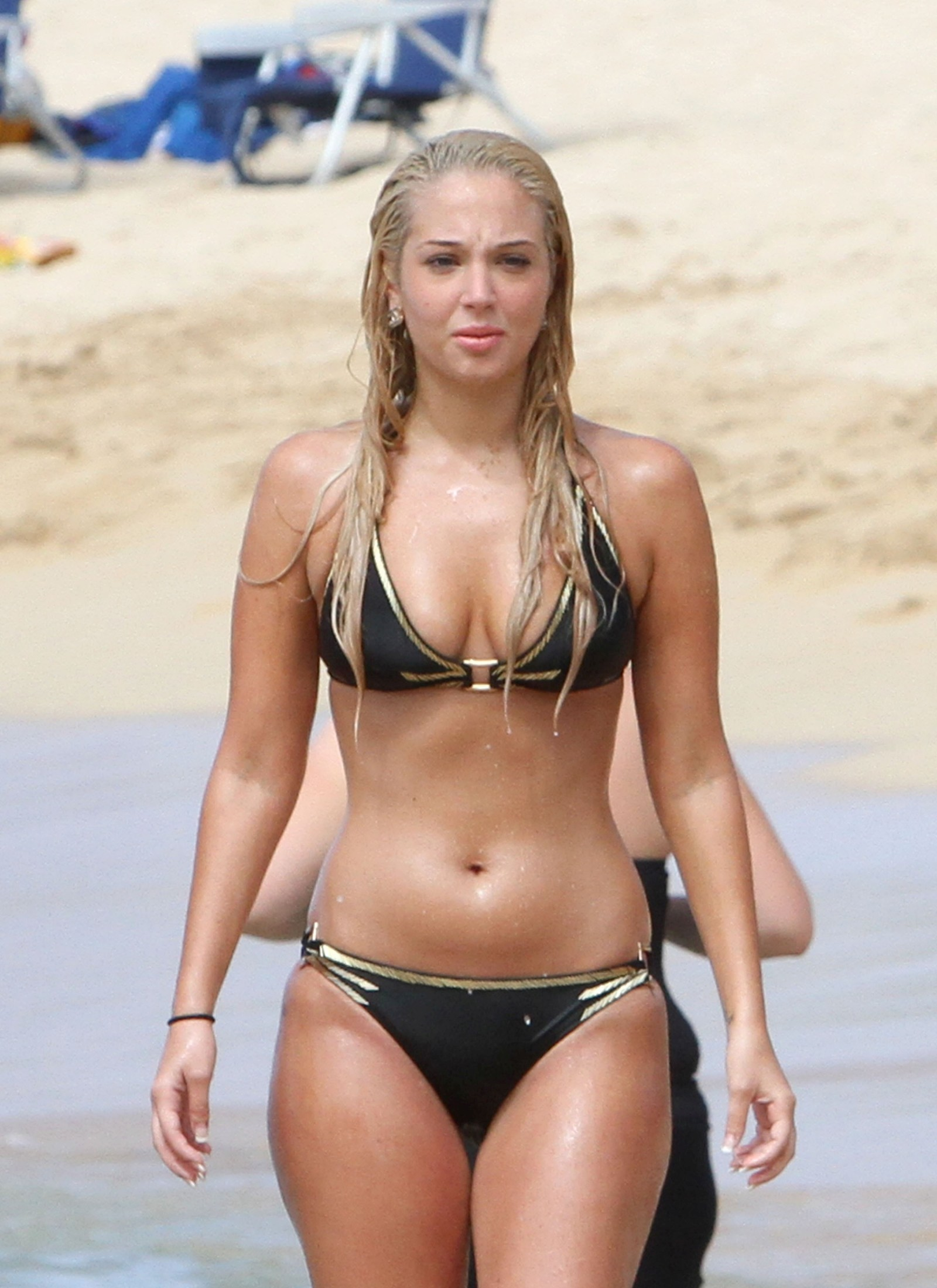 back to post tulisa contostavlos black bikini candids in hawaii