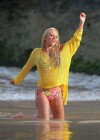tulisa-contostavlos-in-a-bikini-on-the-set-of-her-music-video-live-it-up-in-hawaii-15