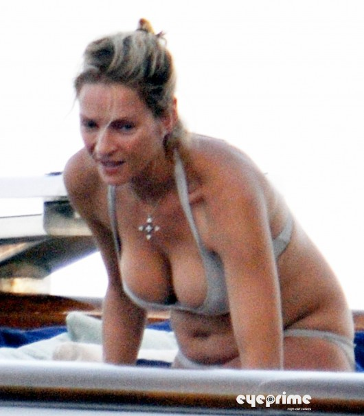 Uma Thurman ? Pregnant Bikini Candids in Italy, Aug 2010