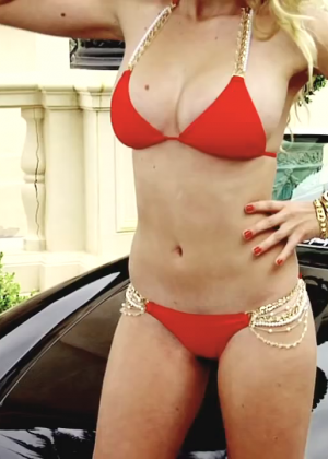 Valerie Van Der Graaf: Beach Bunny Bikini -07