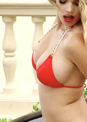 Valerie Van Der Graaf: Beach Bunny Bikini -13