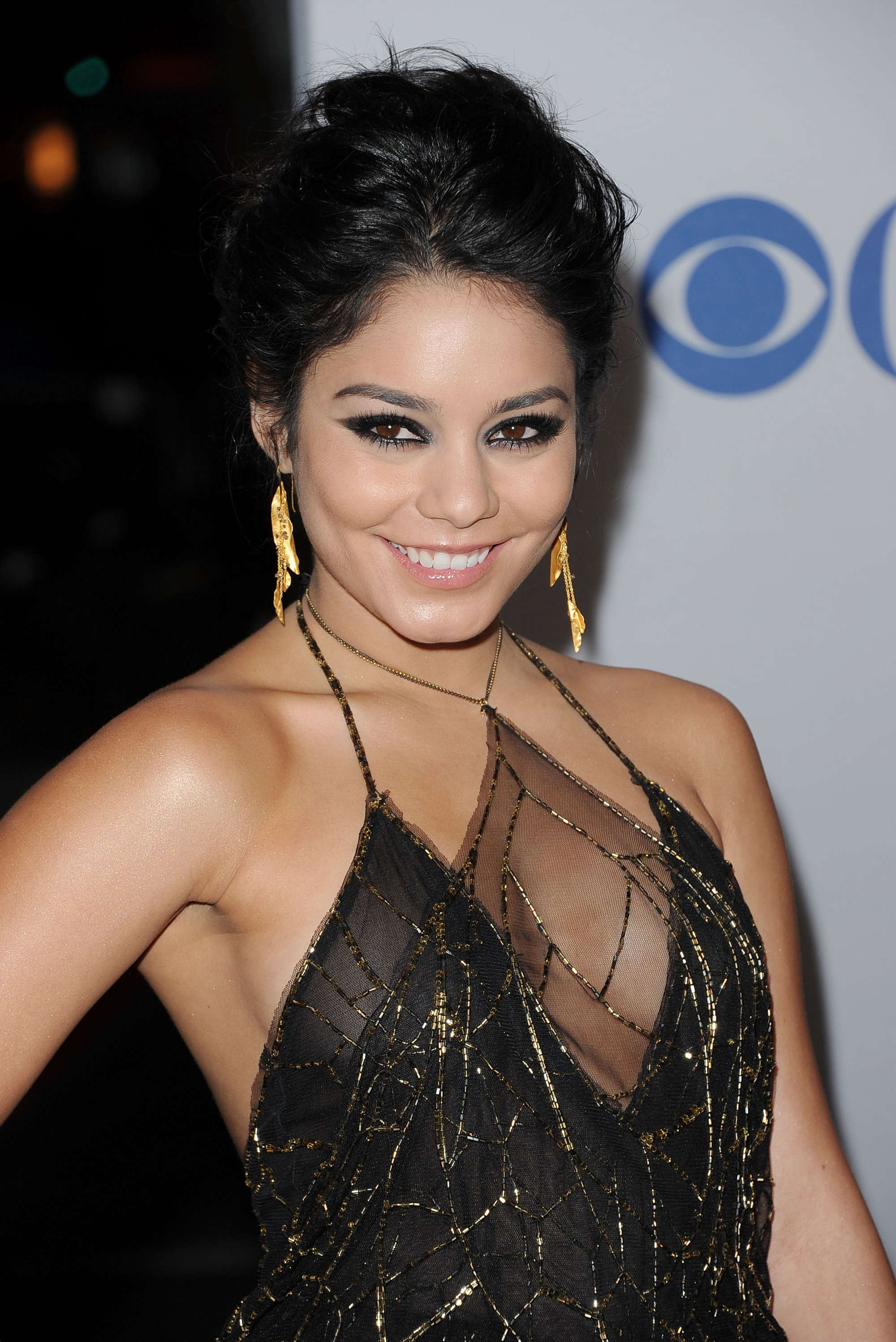 Vanessa Anne Hudgens Cleavy At 38th Peoples Choice Awards