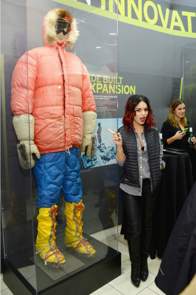 Seattle, WA /PRNewswire/ - Eddie Bauer announces the opening of a pop-up store in New York City on Thursday, November 6. The pop-up will be open through the holiday season and transform into a permanent flagship store to reopen in spring